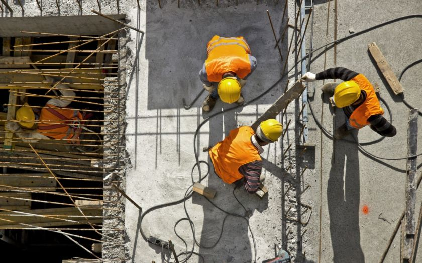 | Shutterstock 406114573 Engineers Installing Cable Aerial View Web