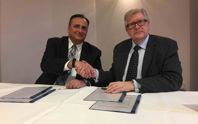 Steve Galan of UL LLC and Jeremy Hodge of BASEC sign CPR collaboration agreement   Steve Galan Of Ul And Jeremy Hodge Of Basec Sign Cpr Agreements